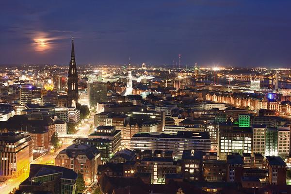 Aussicht vom Michel nach Osten am Abend Hamburg