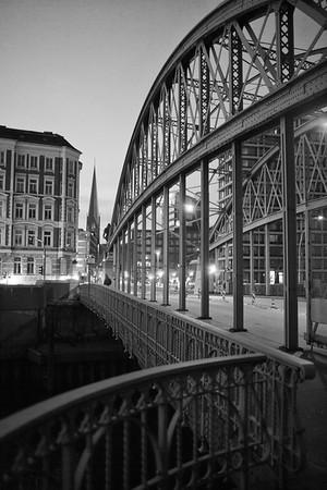 Brooksbrücke Hamburg in Schwarzweiß Speicherstadt