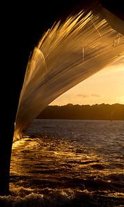 Schiffsbug in der Abendsonne