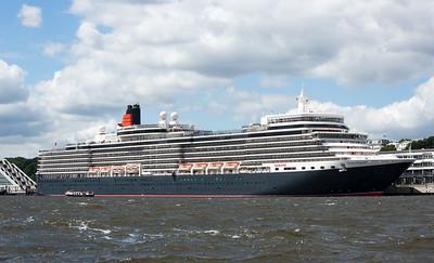 Kreuzfahrtschiff Queen Elizabeth in Hamburg