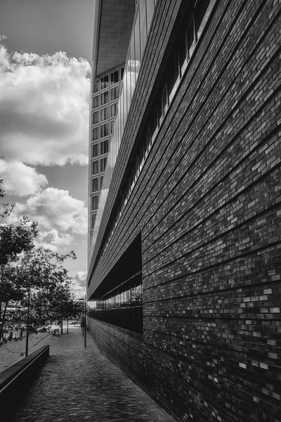 Spiegel Verlagsgebäude schwarz-weiß