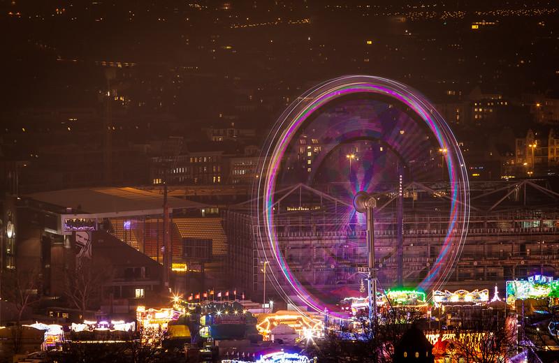 Hamburger Dom mit Riesenrad in der Nacht Aussicht vom Michel