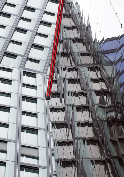 Hotel an der Reeperbahn spiegelnde Fassaden, Architektur