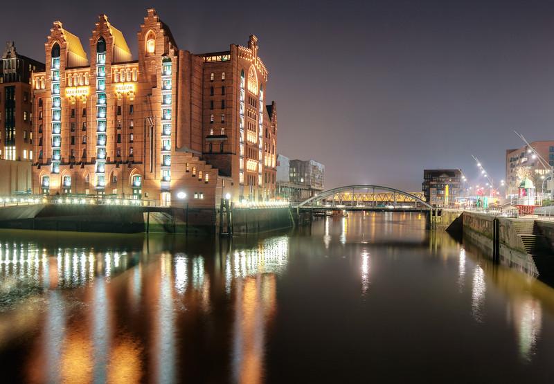 Blick in den Magdeburger Hafen Hafen City Hamburg