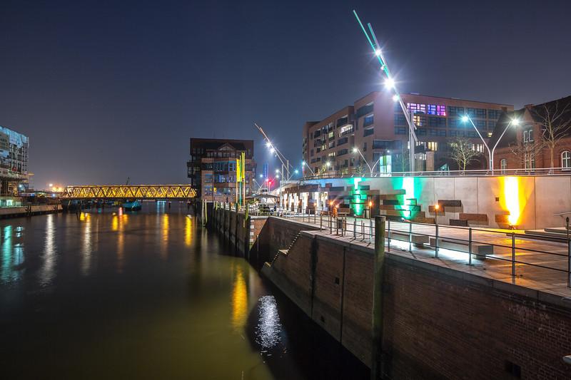 Magdeburger Hafen bei Nacht in der HafenCity