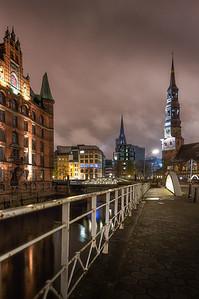 Speicherstadt mit Sankt Katharinenkirche
