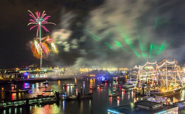 Hafengeburtstag Hamburg Feuerwerk und Lasershow