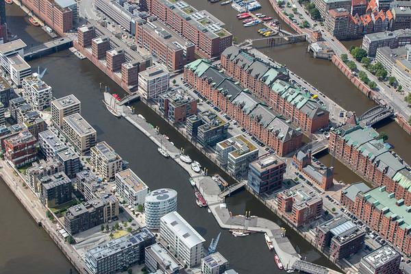 Luftbild Hamburg Speicherstadt und HafenCity Sandtorhafen