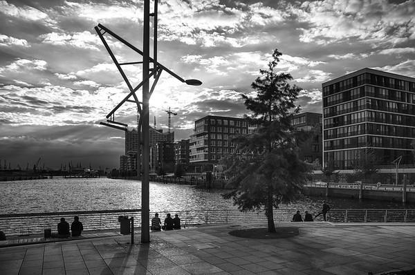 Hamburg HafenCity schwarz-weiß Grasbrookhafen