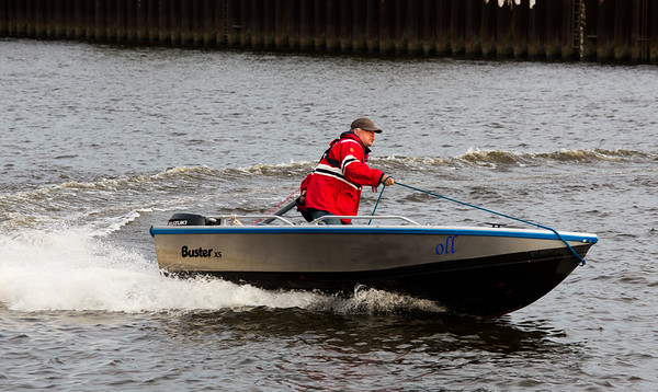 Andreas Vallbracht auf seinem kleinen Boot