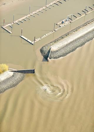 Elbe Wasserstrudel aus der Luft Luftbild