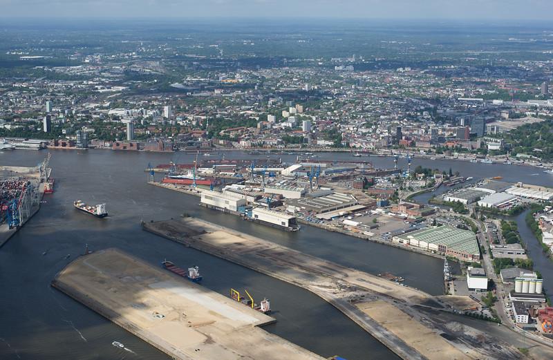 Luftbild Hamburger Hafen und Altona