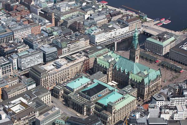 Luftaufnahme Hamburger Rathaus