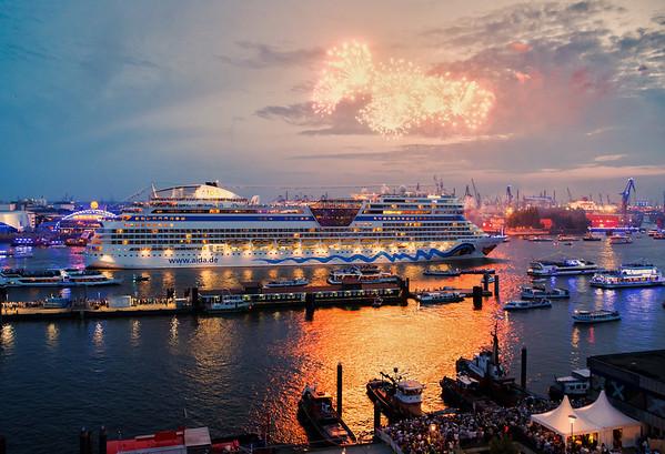 Hafengeburtstag Feuerwerk Aida Stella