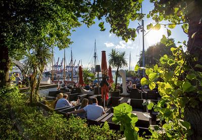 Menschen Strandcafé Museumshafen Hamburg Oevelgönne Hamburg