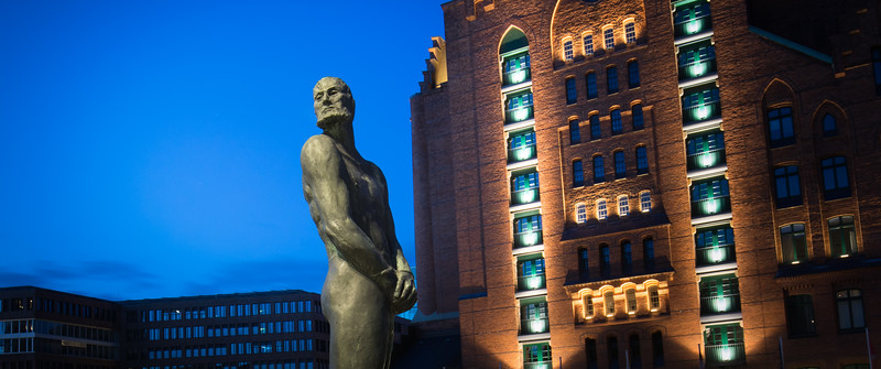 Claas Störtebeker Statue im Magedeburger Hafen Hamburg