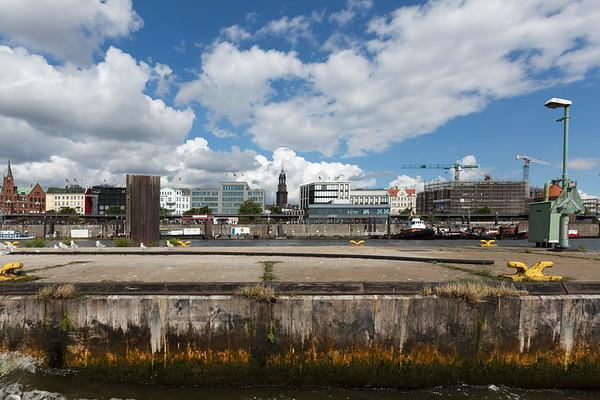 Pontons Neben den Landungsbrücken Hamburg