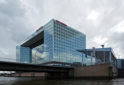 Hamburg Ericusspitze Wasserstofftankstelle Verlagshaus der Spiegel