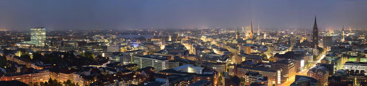 Ausblick Panorama vom Michel nach Norden Innenstadt und Alster Hamburg