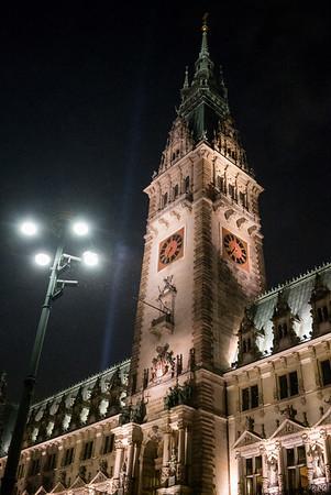 Rathaus Hamburg in der Nacht
