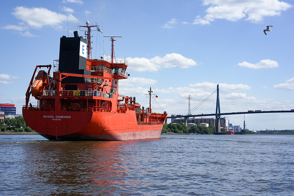 Tankschiff im Köhlbrand Hamburg