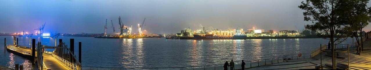 Bild-Nr.: 20151017-DSC02156-Abends HafenCity Niesel-m-p2-Andreas-Vallbracht   Capture Date: 2015-10-18 12:00