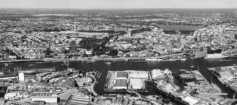Luftaufnahme Innenstadt Hamburg mit Hafen und Elbe