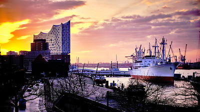 Sunrise at Hamburg harbour