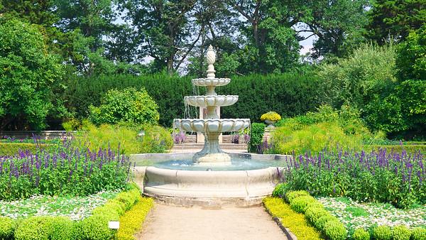 Scented Garden Fountain 2013
