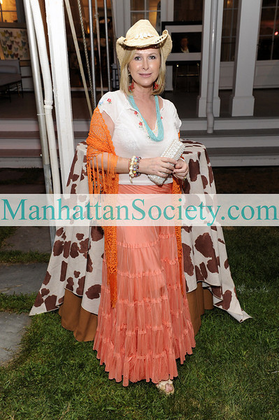 WATERMILL-AUGUST 22: Kathy Hilton attends BEST BUDDIES Hamptons Gala 2009 on Friday, August 21, 2009 at the home of Anne Hearst McInerney & Jay McInerney, Watermill, New York (Photo Credit: ©ManhattanSociety.com by Gregory Partanio)