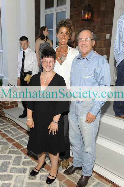 WATERMILL-AUGUST 22: Rachel Lipke, Somers Farkas, Jonathan Farkas attend BEST BUDDIES Hamptons Gala 2009 on Friday, August 21, 2009 at the home of Anne Hearst McInerney & Jay McInerney, Watermill, New York (Photo Credit: ©ManhattanSociety.com by Gregory Partanio)