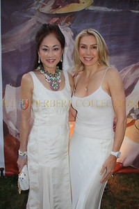 "Lucia Hwong Gordon ""Fashion Committee""  wearing Dennis Basso and Jacqueline Murphy Stahl; actress"