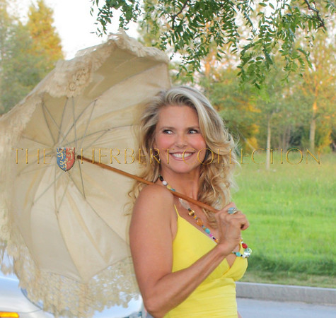 Christie Brinkley Adds Color to Southampton Hospital's Centennial Celebration 1909-2009    August 1, 2009