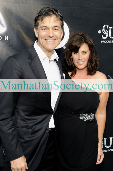EAST HAMPTON-JULY 18: Dr. Mehmet Oz, Lisa Oz attend Rush Philanthropic Arts Foundation's 10th Anniversary ART FOR LIFE Benefit on Saturday, July 18, 2009 at Russell Simmons' East Hampton Estate, East Hampton, New York (Photo Credit: ManhattanSociety.com by Gregory Partanio)