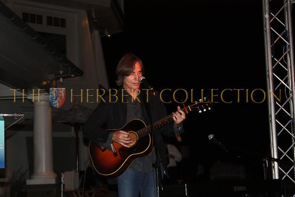 Jackson Browne Rocks the Hampton's for Oceana, July 10, 2010.