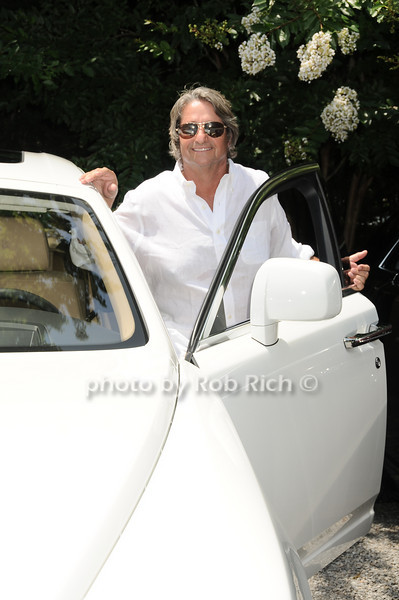 Larry Rosenthal takes a Rolls for a spin<br /> photo by Rob Rich © 2010 robwayne1@aol.com 516-676-3939