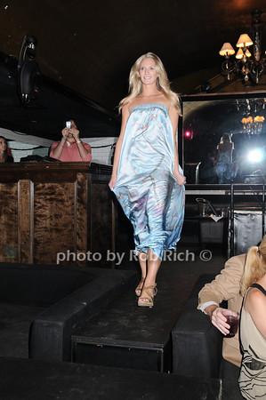 Beata Bohman fashion<br /> photo by Rob Rich © 2010 robwayne1@aol.com 516-676-3939