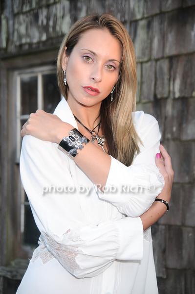 Jamie Jo Harris<br /> photo by Rob Rich © 2010 robwayne1@aol.com 516-676-3939