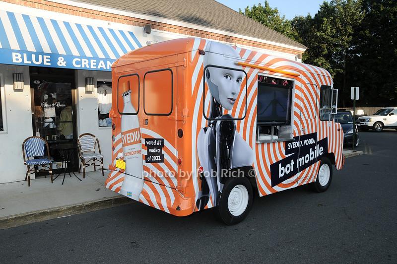 Svedka Vodka mobile<br /> photo by Rob Rich © 2010 robwayne1@aol.com 516-676-3939
