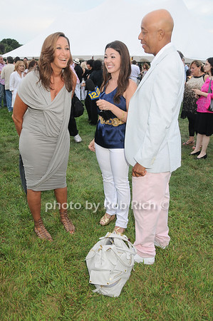 Donna Karan, Lisa, Russell Simmons<br /> photo by Rob Rich © 2010 robwayne1@aol.com 516-676-3939