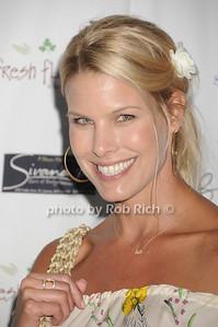 Beth Ostrosky Stern photo by Rob Rich © 2007 robwayne1@aol.com 516-676-3939