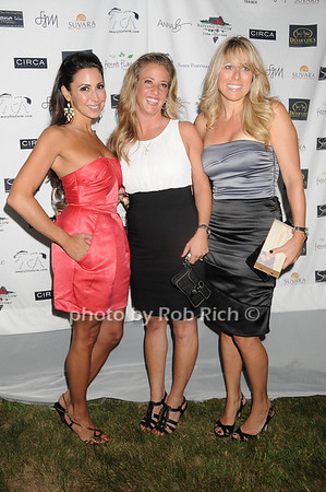 Stephanie Sagriftano, Carissa Reddock, Nicole Gaffney<br /> photo by Rob Rich © 2010 robwayne1@aol.com 516-676-3939