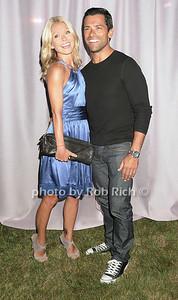 Kelly Ripa, Mark Consuelos photo by Rob Rich © 2007 robwayne1@aol.com 516-676-3939