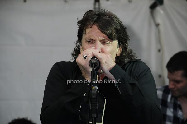 Brian Wilson photo by Rob Rich © 2010 robwayne1@aol.com 516-676-3939