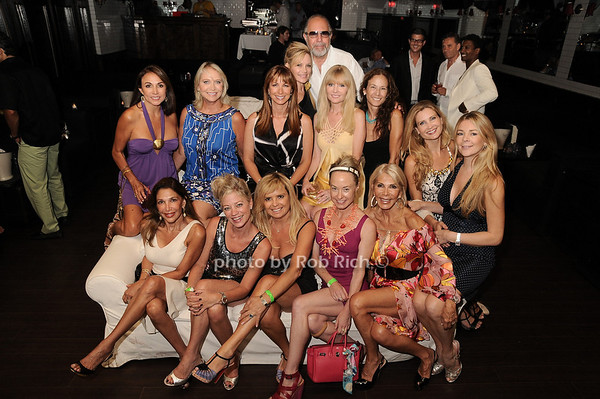"Bobby Zarin and ""The Girls""<br /> photo by Rob Rich © 2010 robwayne1@aol.com 516-676-3939"