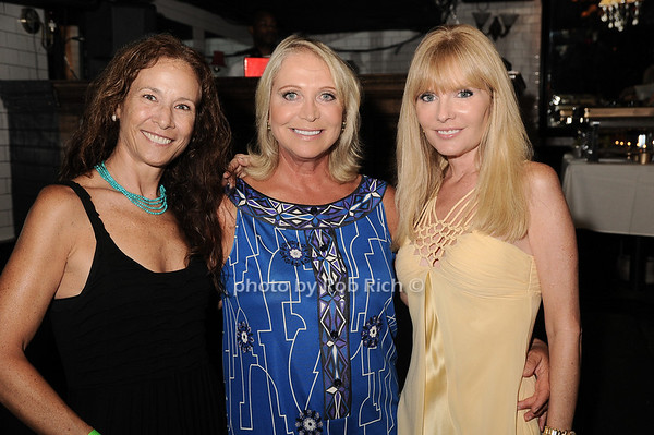 Sioux Saunders, Suzan Kremer, Colleen Rein<br /> photo by Rob Rich © 2010 robwayne1@aol.com 516-676-3939