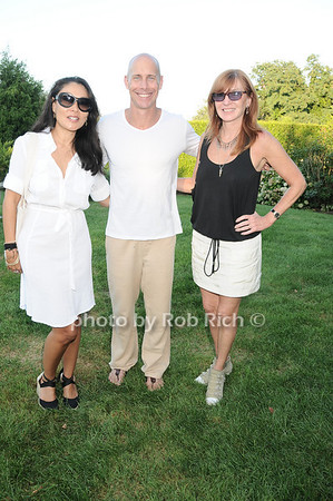 Linda Ong, Sean Cassidy , Nicole Miller<br /> photo by Rob Rich © 2010 robwayne1@aol.com 516-676-3939