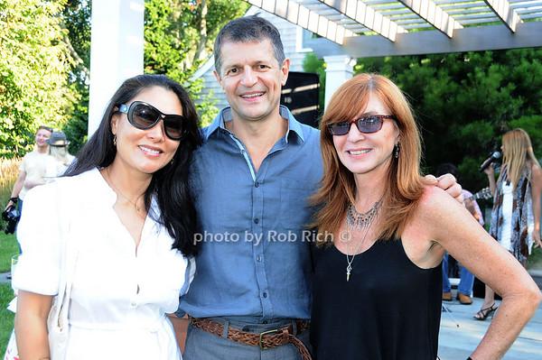 Linda Ong, Gerry Logue, Nicole Miller<br /> photo by Rob Rich © 2010 robwayne1@aol.com 516-676-3939