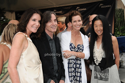 Lois Robbins, Jackson Browne, Lorna Brett Howard, Vera Wang photo by Rob Rich © 2010 robwayne1@aol.com 516-676-3939