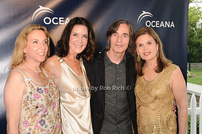 Sue Cohn Rockefeller,Lois Robbins, Jackson Browne, Bonnie Lautenberg photo by Rob Rich © 2010 robwayne1@aol.com 516-676-3939
